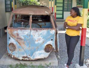 VW Bus im Culture Yard Kingston